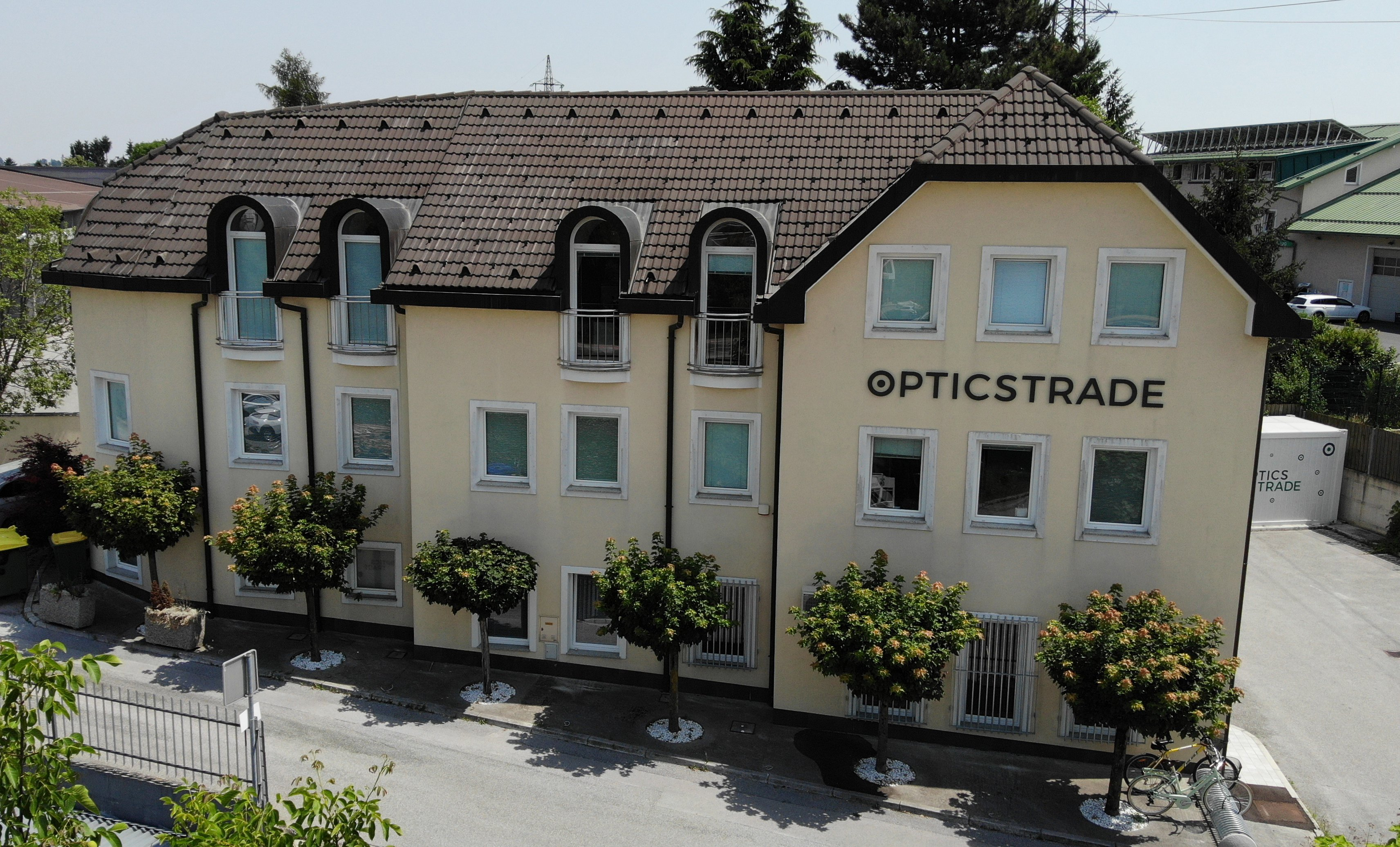 Optics Trade Pomgrad