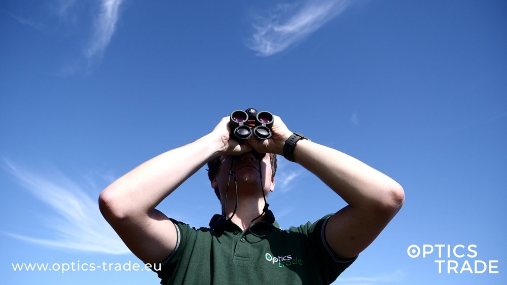 Best Compact Binoculars for Hunters